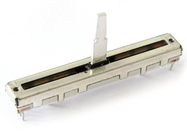 Pioneer DCV-1020 - DJM 800 Linefader_1