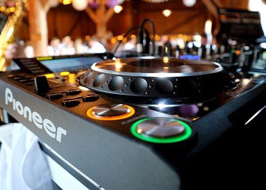 pioneer-cdj-player-im-club