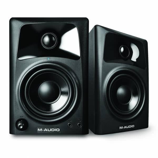 M-Audio AV32_1